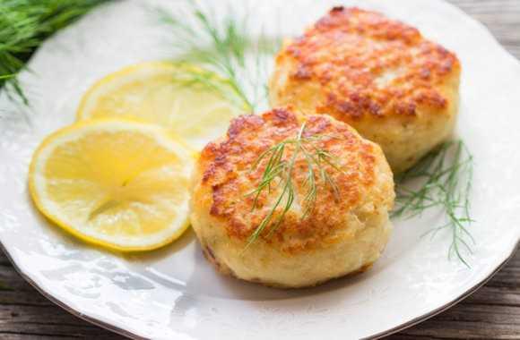 Рыбные котлеты из трески: лучшие рецепты | Как приготовить вкусные котлеты рубленные из филе и фарша трески | Рыбные котлеты из трески видео