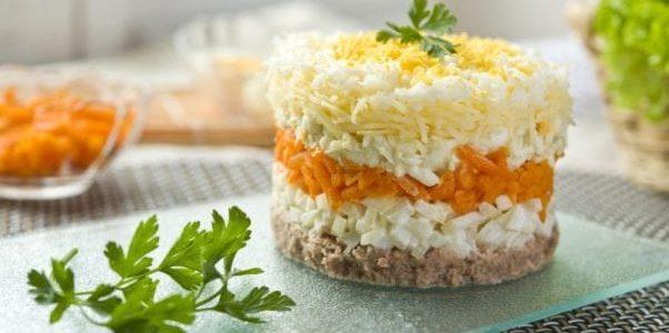 Салат Мимоза с рыбными консервами — 8 классических рецептов