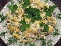 salat-s-kuritsey-i-kukuruzoy